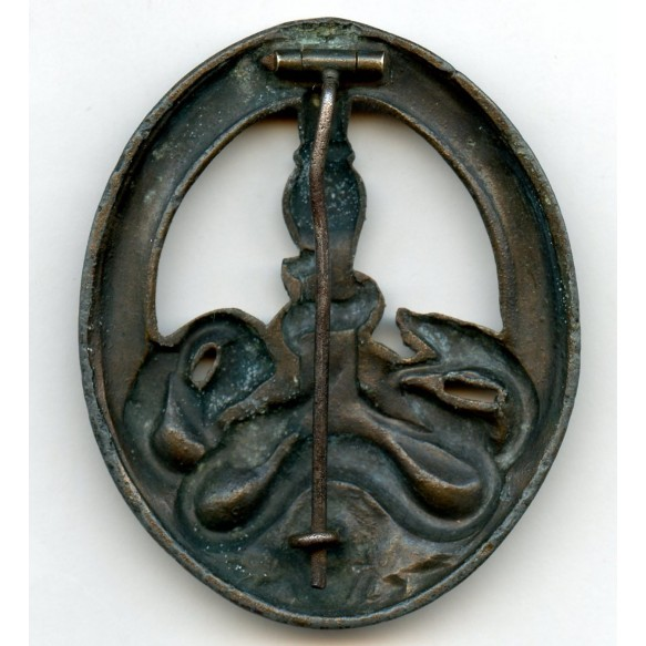 Anti partisan badge in bronze by C.E. Juncker, type 2
