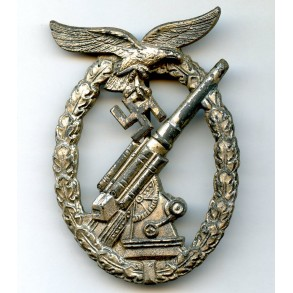 Luftwaffe flak badge by by W.Hobacher, semi hollow variant.