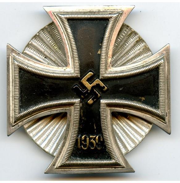 Iron cross 1st class by W. Deumer, Schinkelform non magnetic screwback