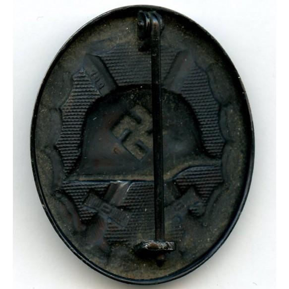 """Wound badge in black by Rudolf Wächtler & Lange """"100"""""""