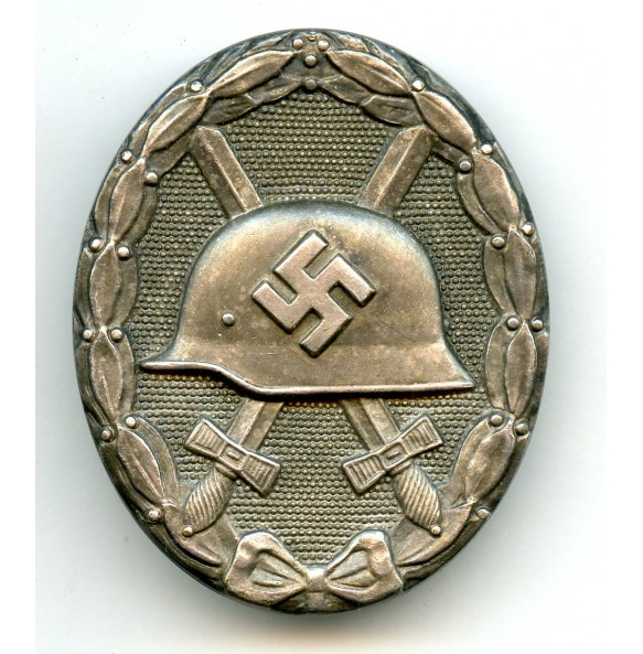 Wound badge in silver by Hauptmünzamt Wien