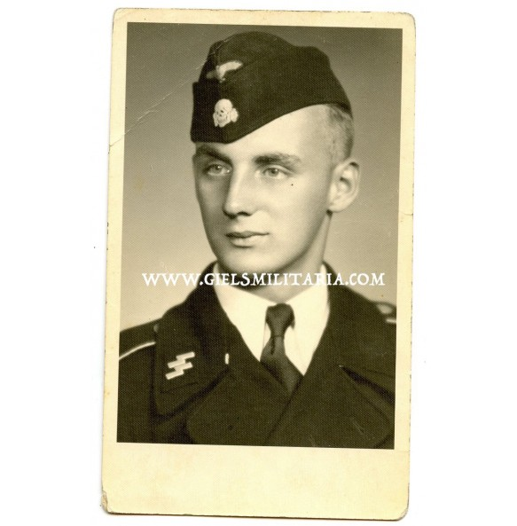 Portrait SS Panzer crew member in black wrapper