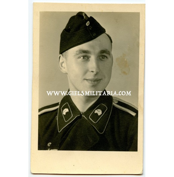 Portrait panzer NCO crew member with closed collar