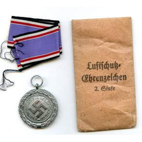 """Luftschutz medal by Foerster & Barth """"40"""" + package"""