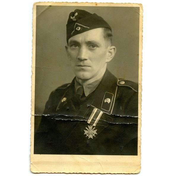 Portrait photo panzer crew member with freshly awarded KVK2