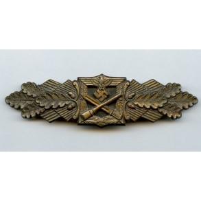 "Close combat clasp in bronze by Funke & Brünninghaus ""F&BL"""