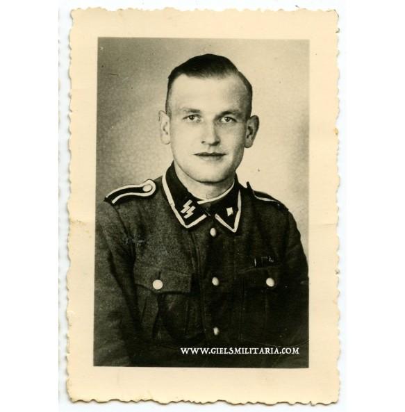 Portrait photo SS-Unterscharführer