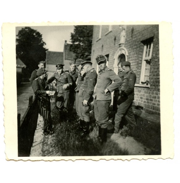 Private photo late war SS troops of the Leibstandarte Adolf Hitler in Belgium 1944 (2)