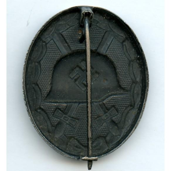 "Wound badge in black by Rudolf Bergs Gablonz a.d.N. ""39"""