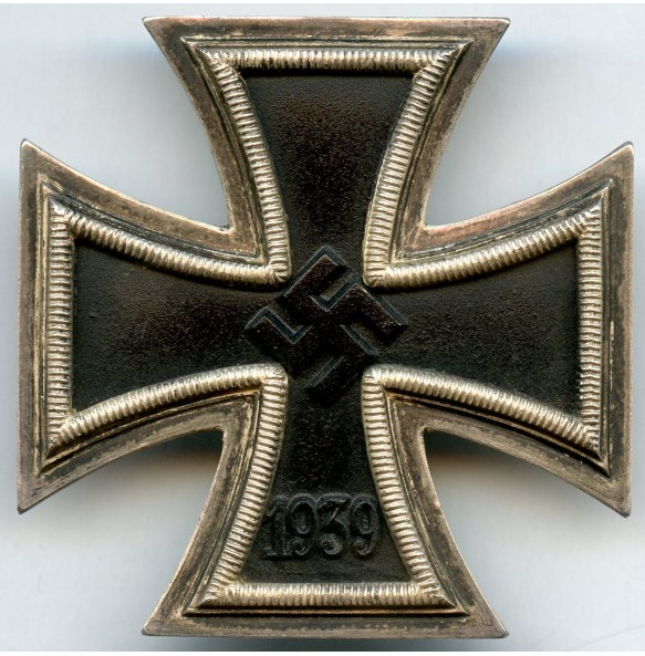 "Iron cross 1st class by Deschler & Sohn ""L/10"""