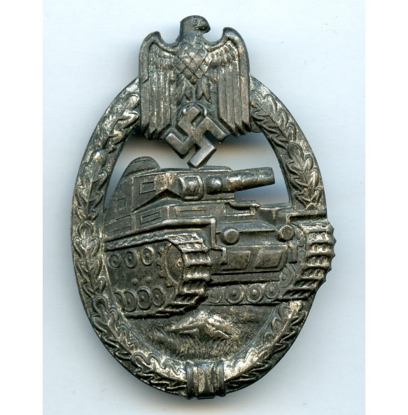 Panzer assault badge in silver by Paul Meybauer, 1st pattern