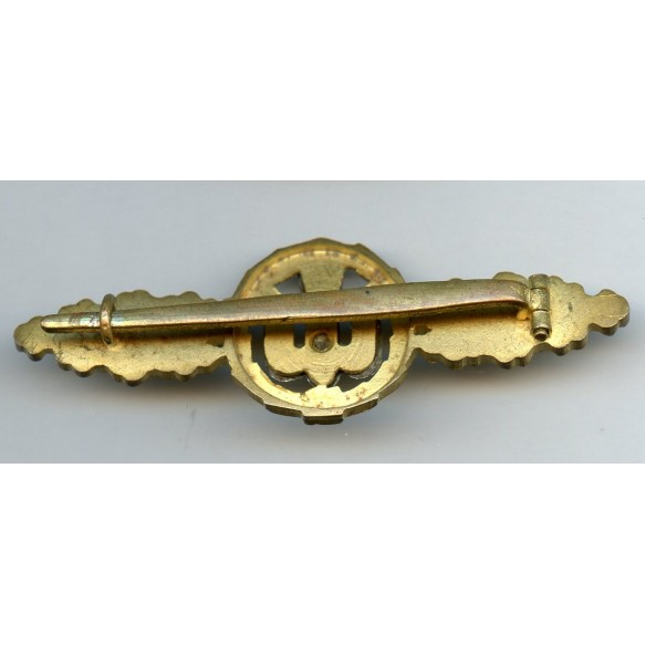 Luftwaffe bomber clasp in gold by Paul Meybauer