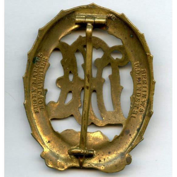 DRA sport badge in gold by Eugen Marcus, Hofjuwelier, Berlin