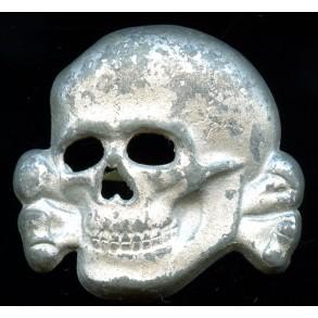 """SS visor cap skull by Deschler & Sohn """"M1/52"""""""