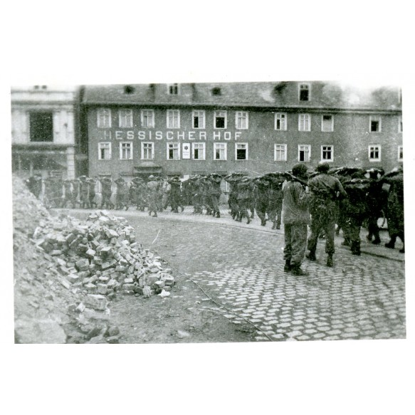 "3 private photos German prisoners in Kötchen 1945 ""Krauts"""