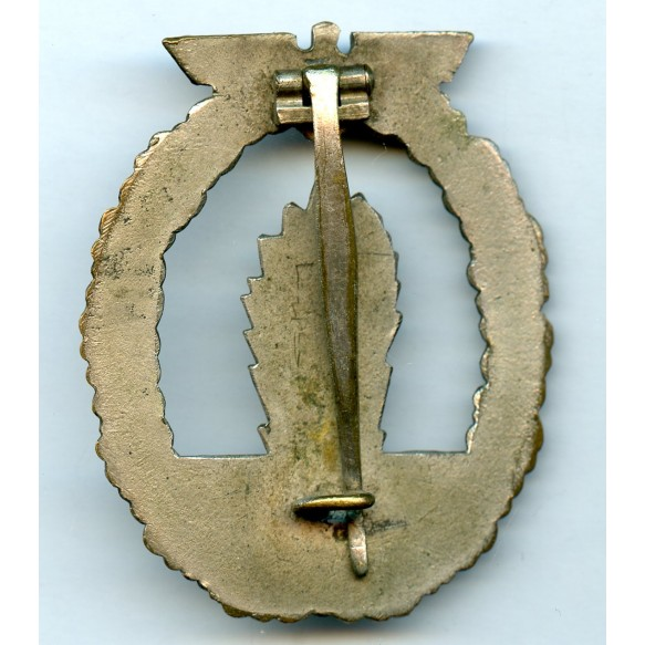 Kriegsmarine minesweeper badge by C.E. Juncker