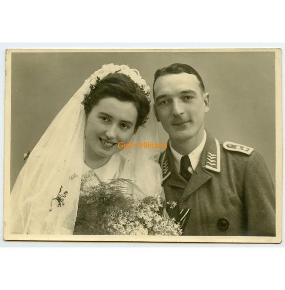 Portrait wedding photo Luftwaffe Oberfeldwebel with wound badge in black and EK2