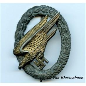 "Luftwaffe paratrooper badge by J. Feix ""JFS"""