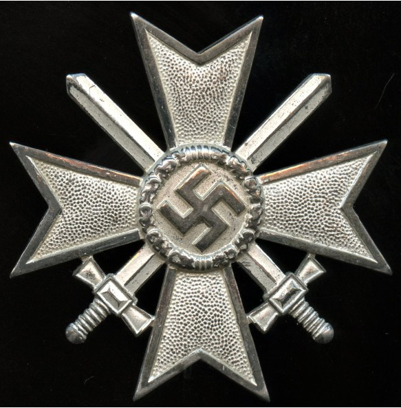 "War merit cross 1st class by Wilhelm Deumer ""L/11"""