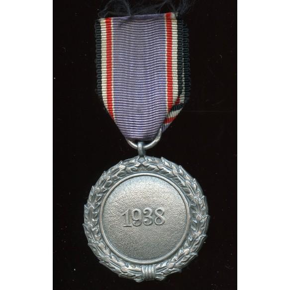 """Luftschutz medal by Katz & Deyhle """"60"""""""
