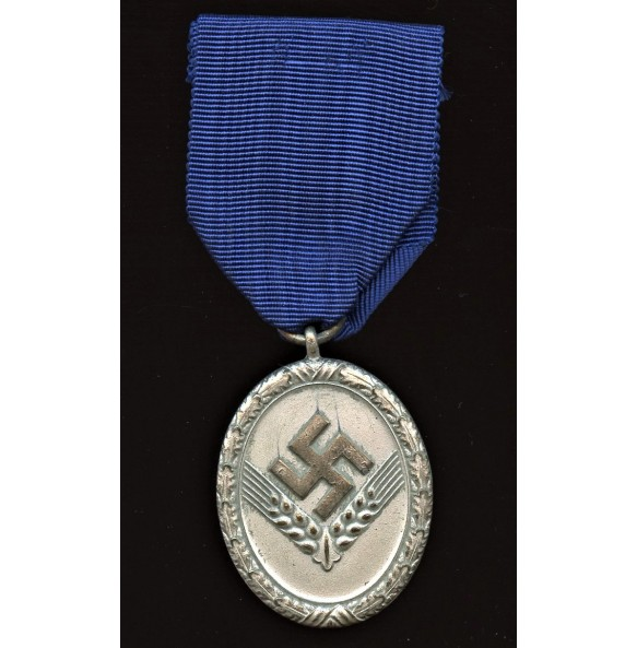 Female RAD service medal for 18 year service