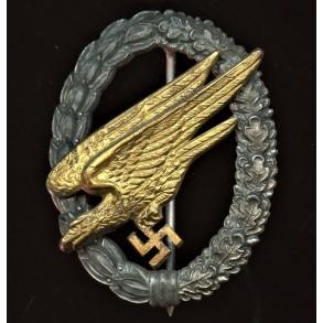 Luftwaffe paratrooper badge by Steinhauer & Lück, cupal