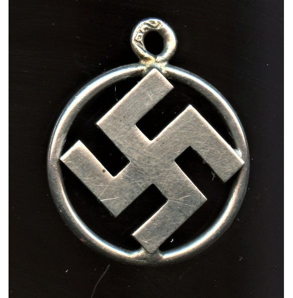 """Period """"900"""" silver necklace hanger"""