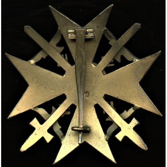 """Spanish cross in gold with swords by Paul Meybauer """"L/13"""""""