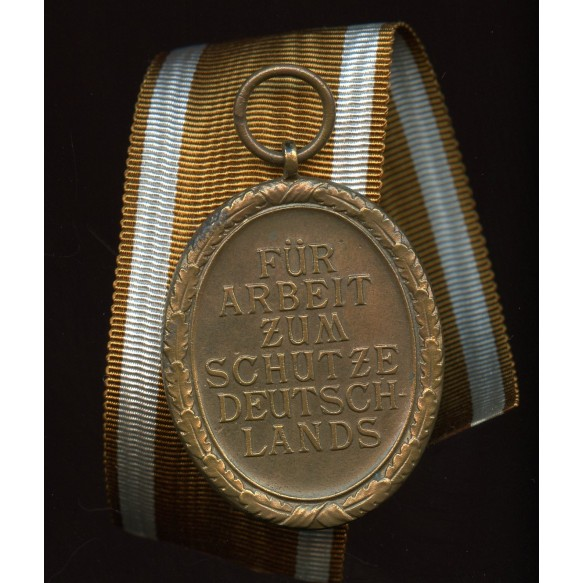 Westwall medal, early example