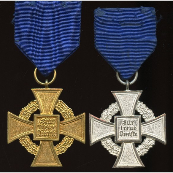 Set of 25 and 40 year civil service crosses