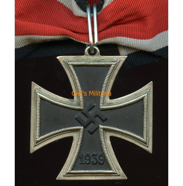 """Knights Cross of the iron cross by unknown maker, so called """"3/4 loop variant"""""""