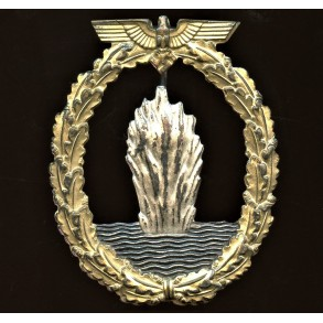 Kriegsmarine minesweeper badge by Petz & Lorenz