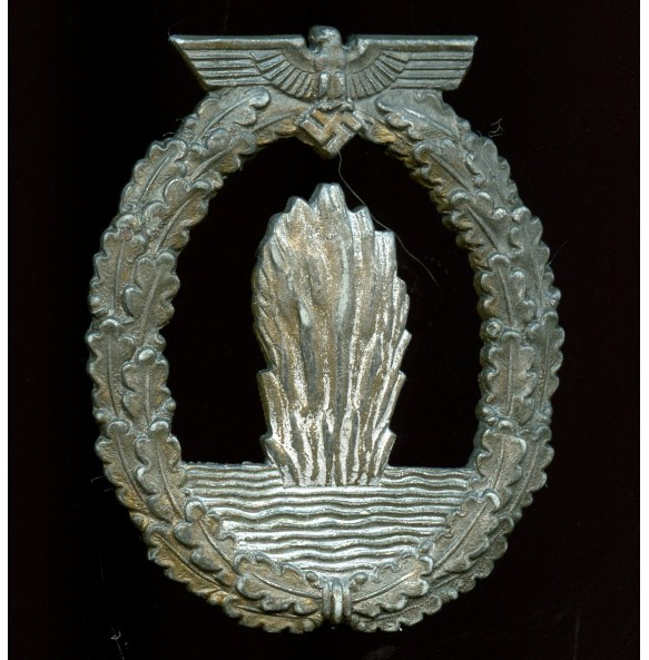"Kriegsmarine minesweeper badge by Rudolf Karneth ""R.K."""