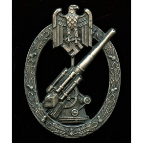 Army flak badge by C.E. Juncker, early NS variant