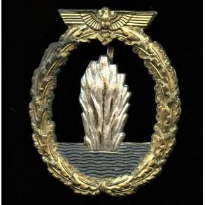 Kriegsmarine minesweeper badge by Wilhelm Hobacher