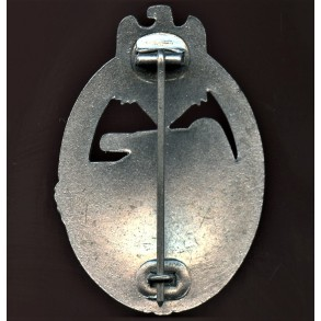 "Panzer assault badge in silver by Wilhelm Deumer ""oval crimp"""