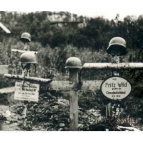 Photo 1940 Narvik paratrooper/ mountain trooper graves.
