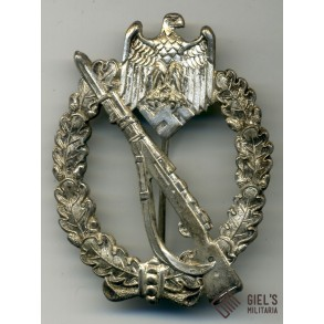 Infantry assault badge in silver by CE Juncker