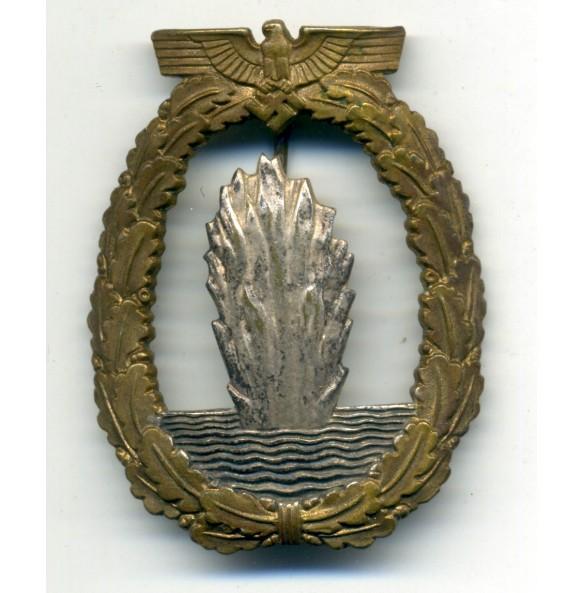 Kriegsmarine minesweeper badge by W. Deumer